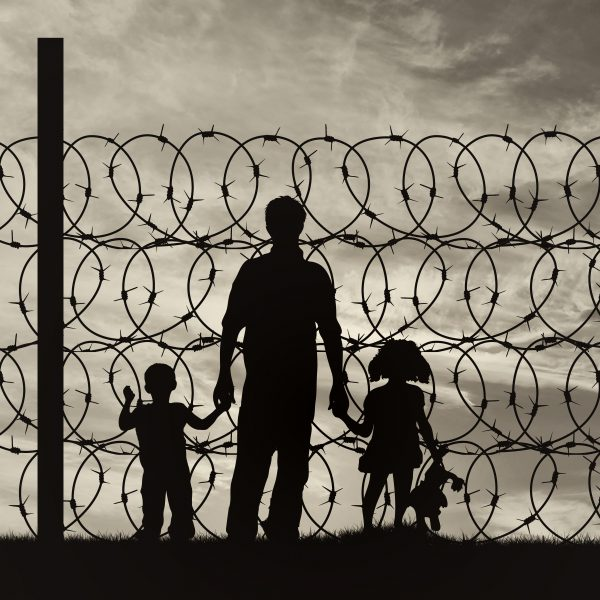 Stock_Refugee_Wire